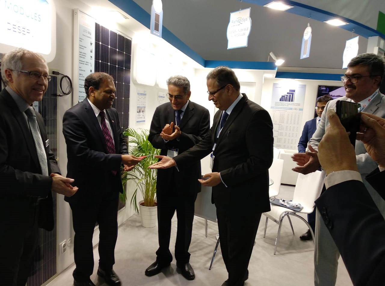 Mr. Sugandh rajaram visits RenewSys stal