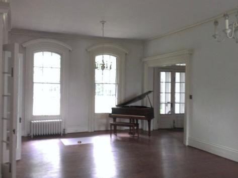 BEFORE- Livingroom facing south.jpg