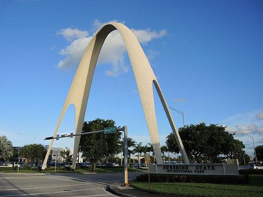 Miami_Gardens_FL_Sunshine_State_Arch_01.