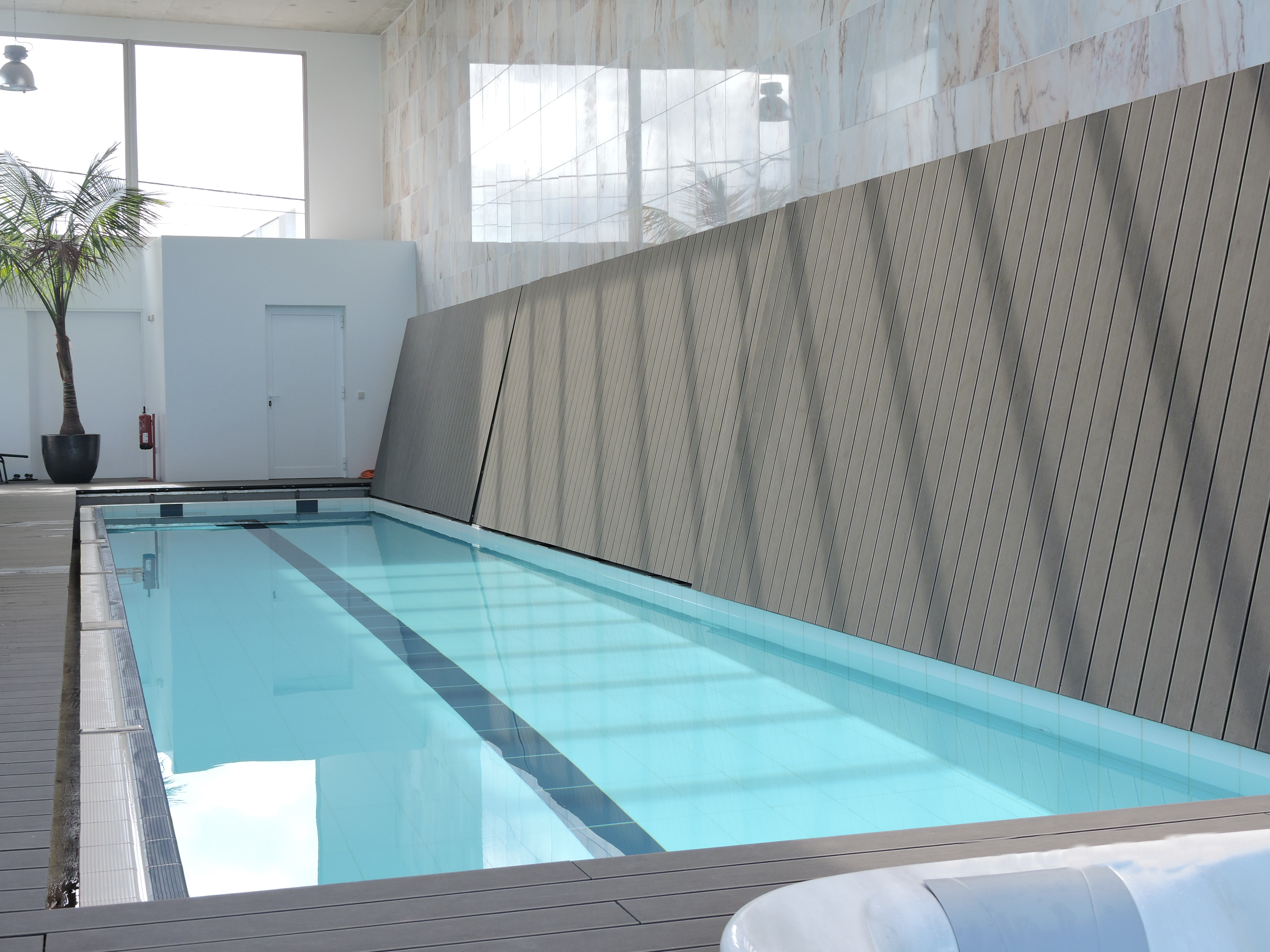 Vertical Pool Cover - ABER MOVE (9)