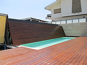 Vertical safety and luxury swimming pool cover ABERMOVE