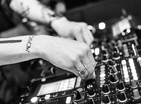 Cinco lugares para los amantes de la electrónica en Bogotá