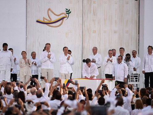 Cinco grandes paradojas del posconflicto en Colombia