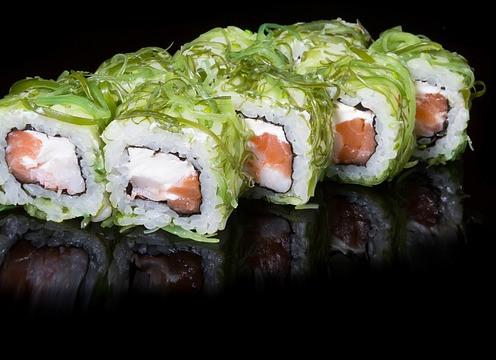 Sushi: plato estrella de la comida a domicilio en la cuarentena
