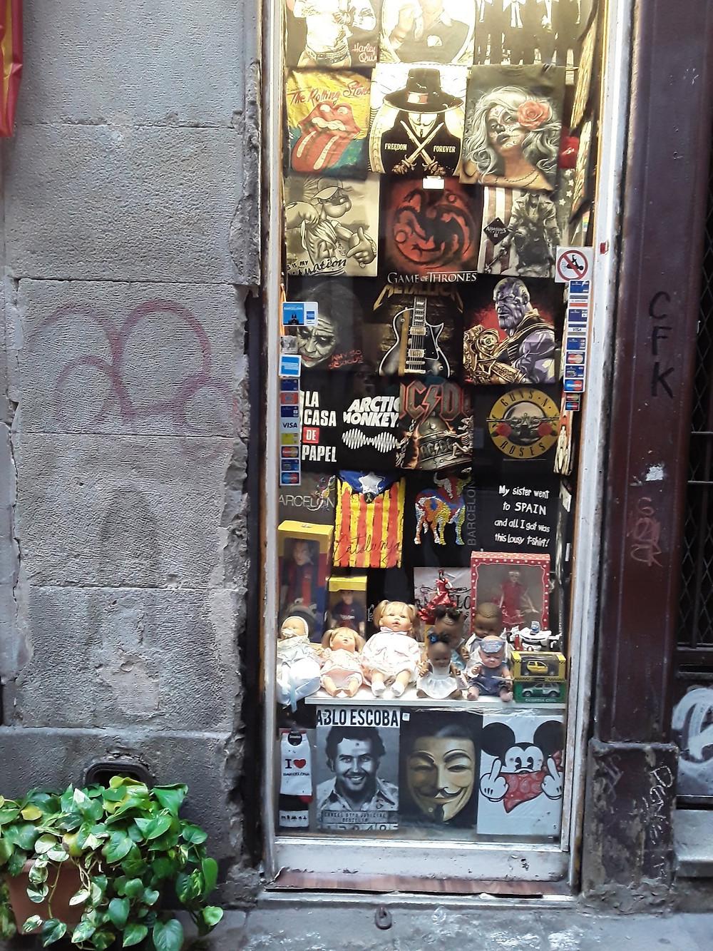 FOTO: Así se vende la camiseta de Pablo Escobar en las tiendas de Barcelona