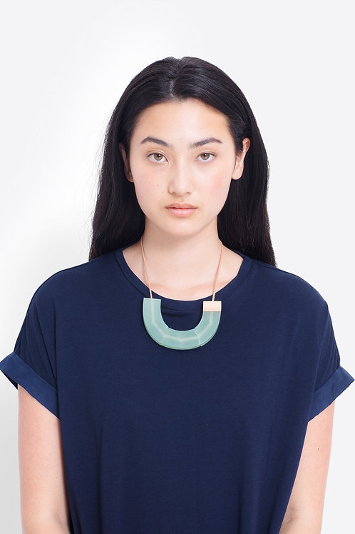 Yenni Necklace - Green/Natural