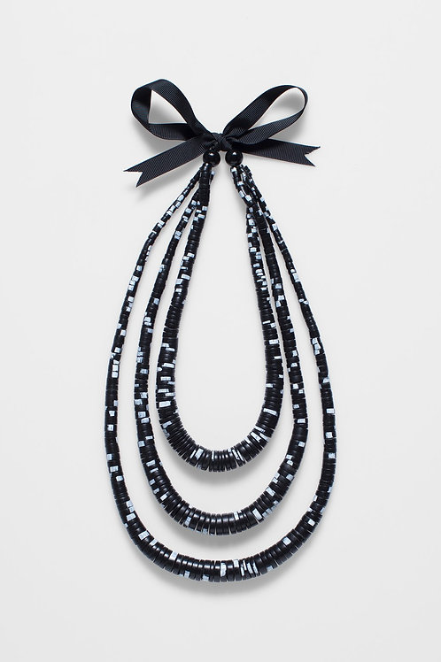 Janne Necklace - Black/White Speckle
