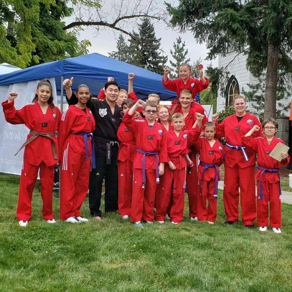 HS Taekwondo Demo Team