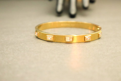 Dimond stone gold bracelet