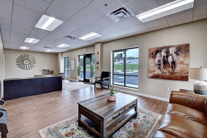 Joe Hudson's Collision Center lobby and waiting area