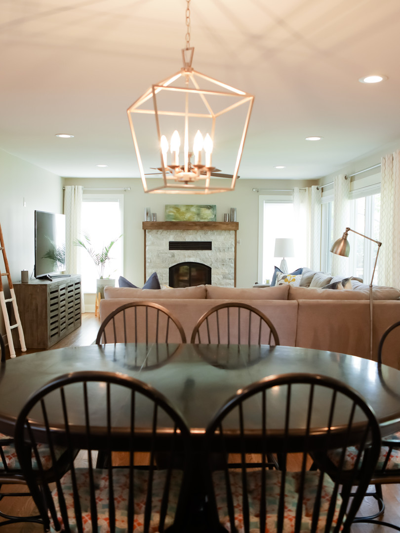 Dining Room With Accent Light