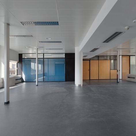Fotografías de interiores en Naves y Oficinas.