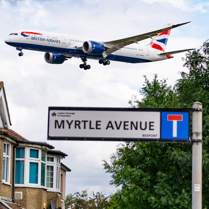 BA 787 approaching Heathrow