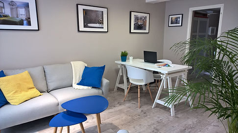 rénovation d'un bureau par Mantine Mancel, architecte d'intérieur ufdi : un style cosy et chaleureux pour travailler sereinement