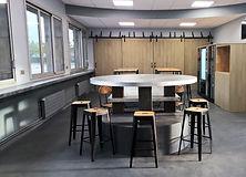 salle_industriel_bois_beton_metal
