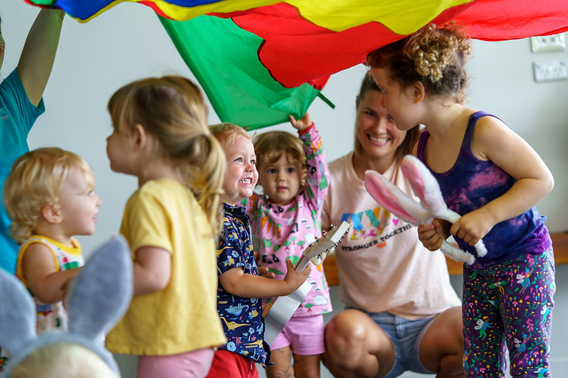 toddler parachute play