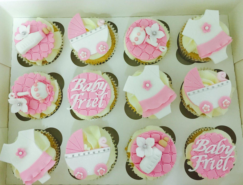 baby shower girls cupcakes