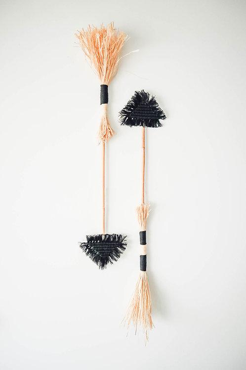 Macrame Arrow Black