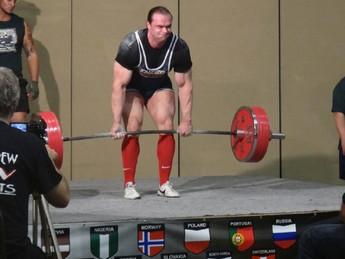 Фитнес-редактор MH стал бронзовым призером чемпионата мира по пауэрлифтингу