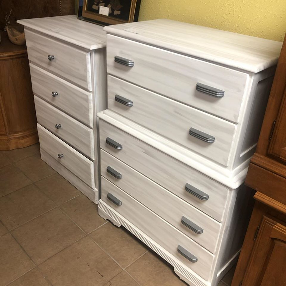 5 drawer and 4 drawer chest grey white
