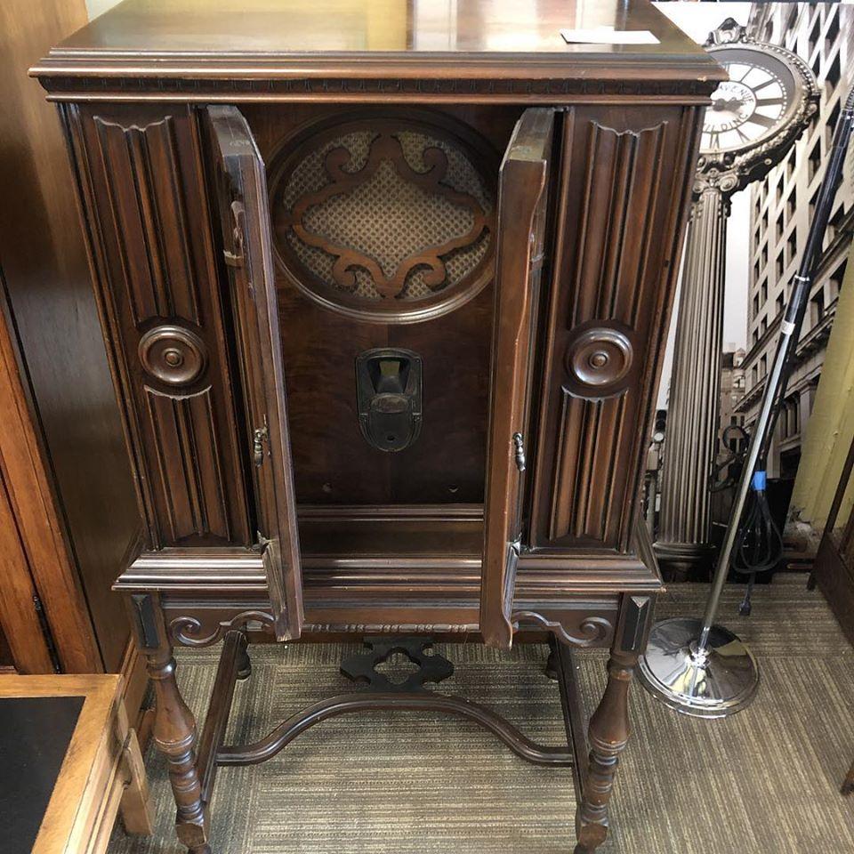 1919 radio cabinet