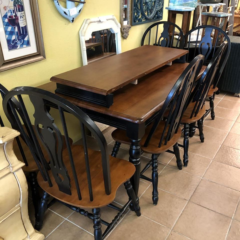 4 chair dining set with butterfly leaf