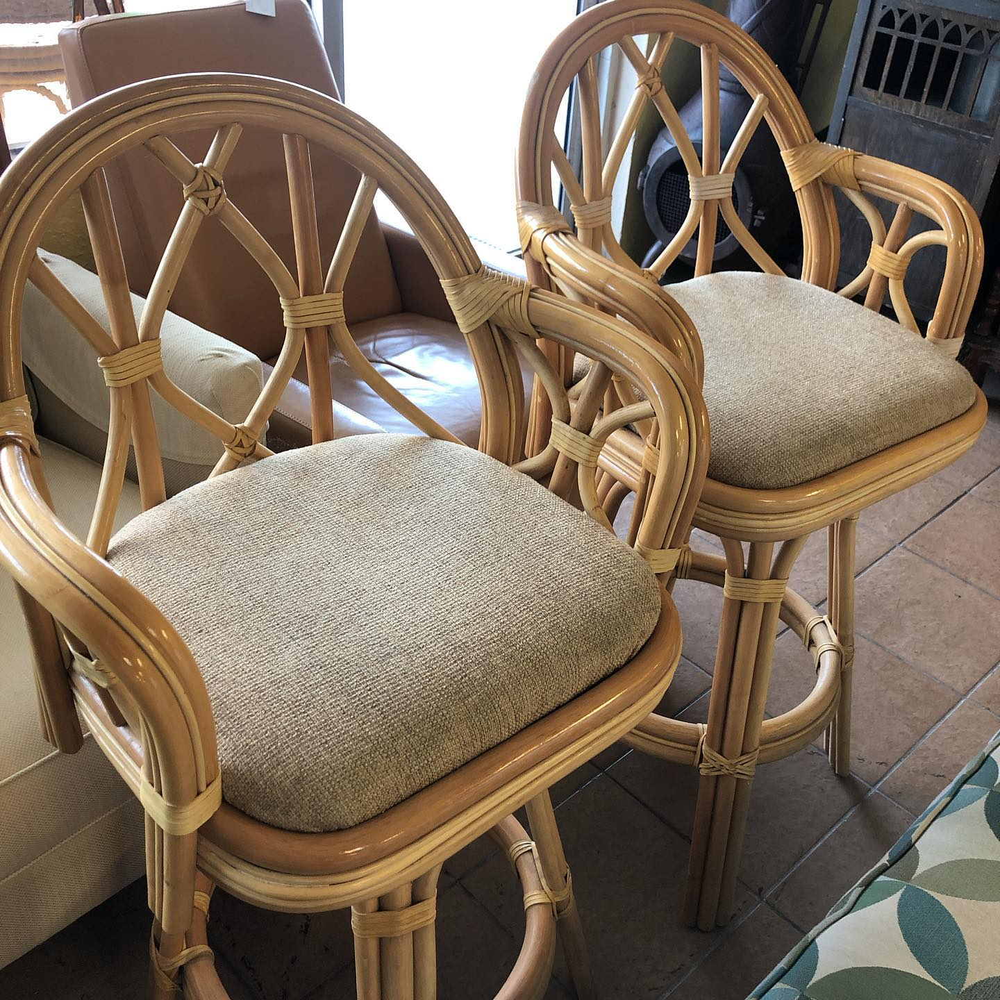 Pair rattan swivel 30 stools