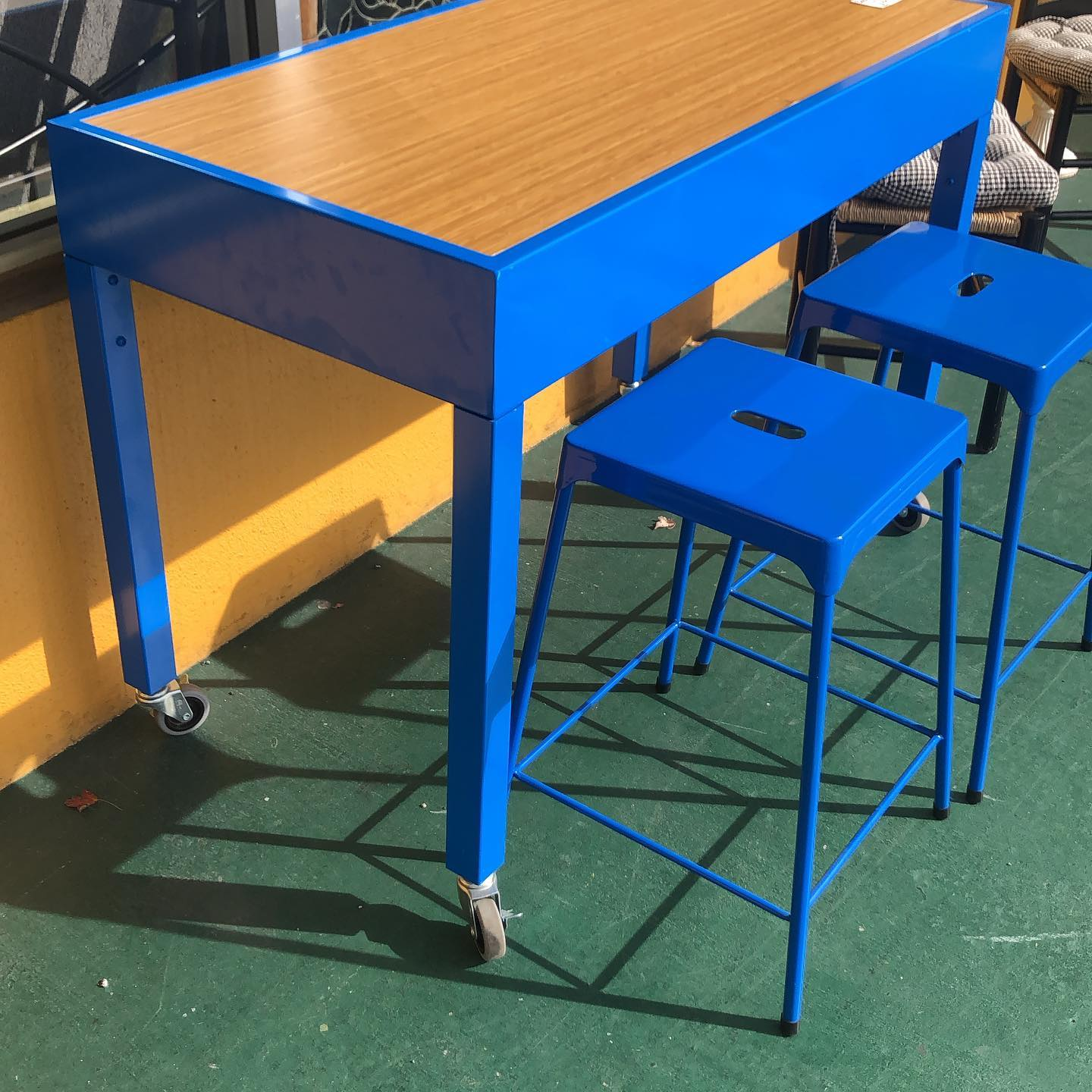 Pier 1 Workbench and stools
