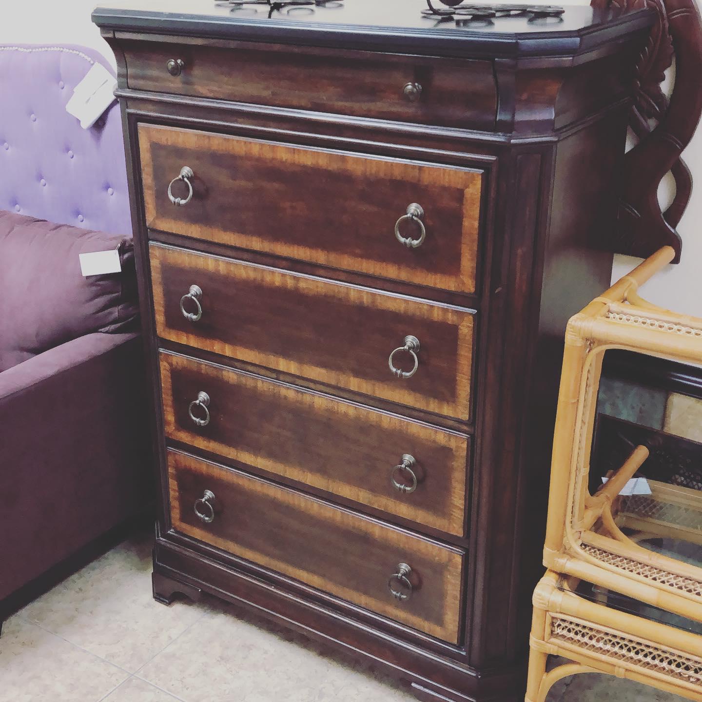 5 drawer multi grain Havertys chest