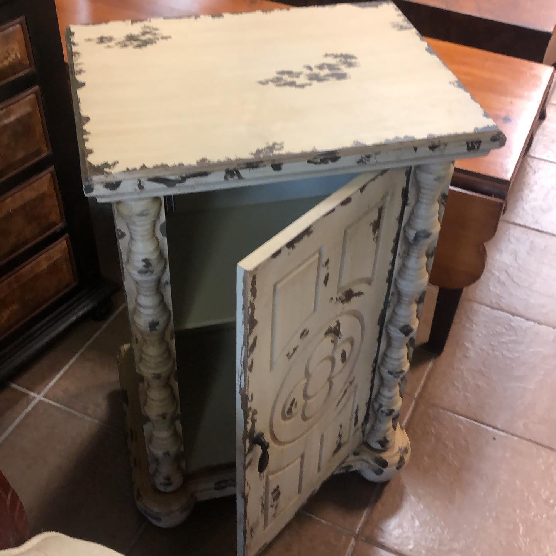 shabby bathroom cabinet