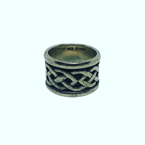 Wide Knotwork Band