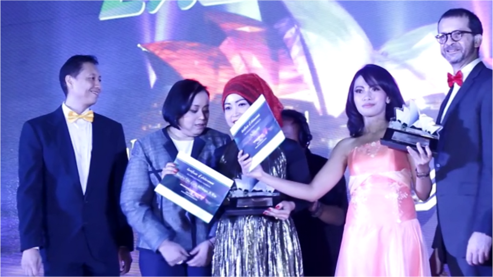 awarding night manulife danamon 2.png