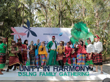 Budaya Tradisional Dalam Konsep Family Gathering DSLNG