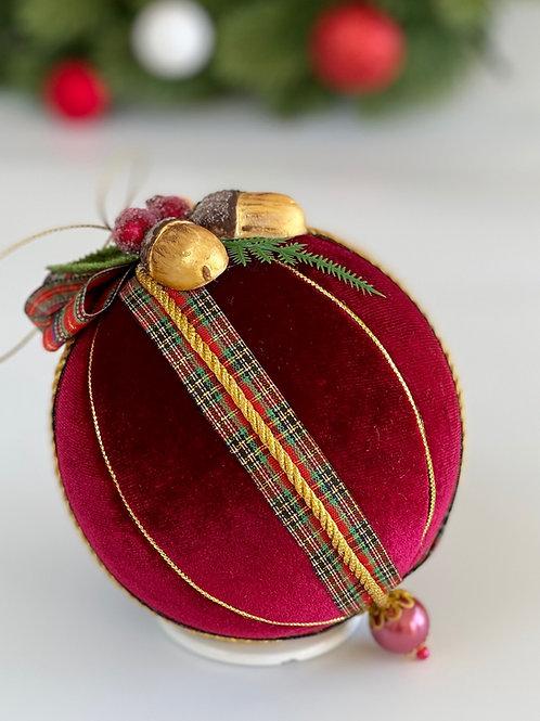 Подарочный елочный шар «Орешек для золушки»