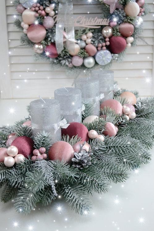 Рождественская  композиция  «Розовый пунш» на 4 свечи