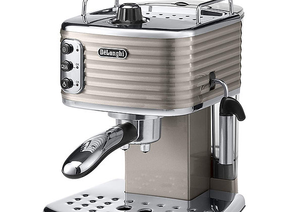 DeLonghi Scultura ECZ351BG Traditional Pump Espresso Machine - Champagne