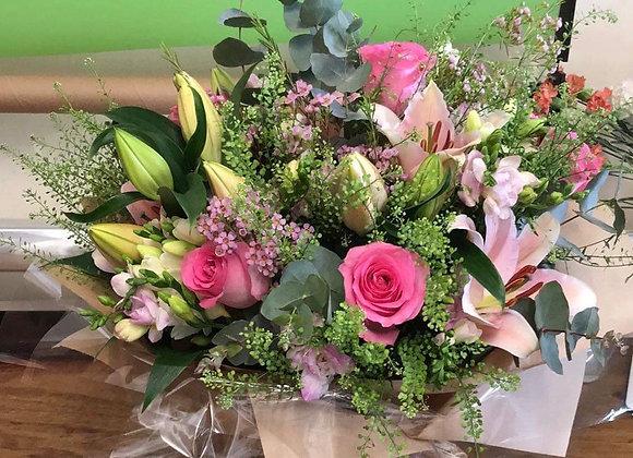 Deluxe Aqua Bouquet