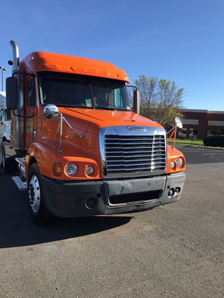Truck for Sale! Call Now! 2009 Freightliner CST 120
