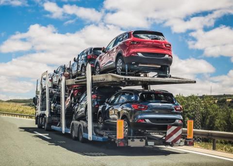 Semi-truck hauling cars