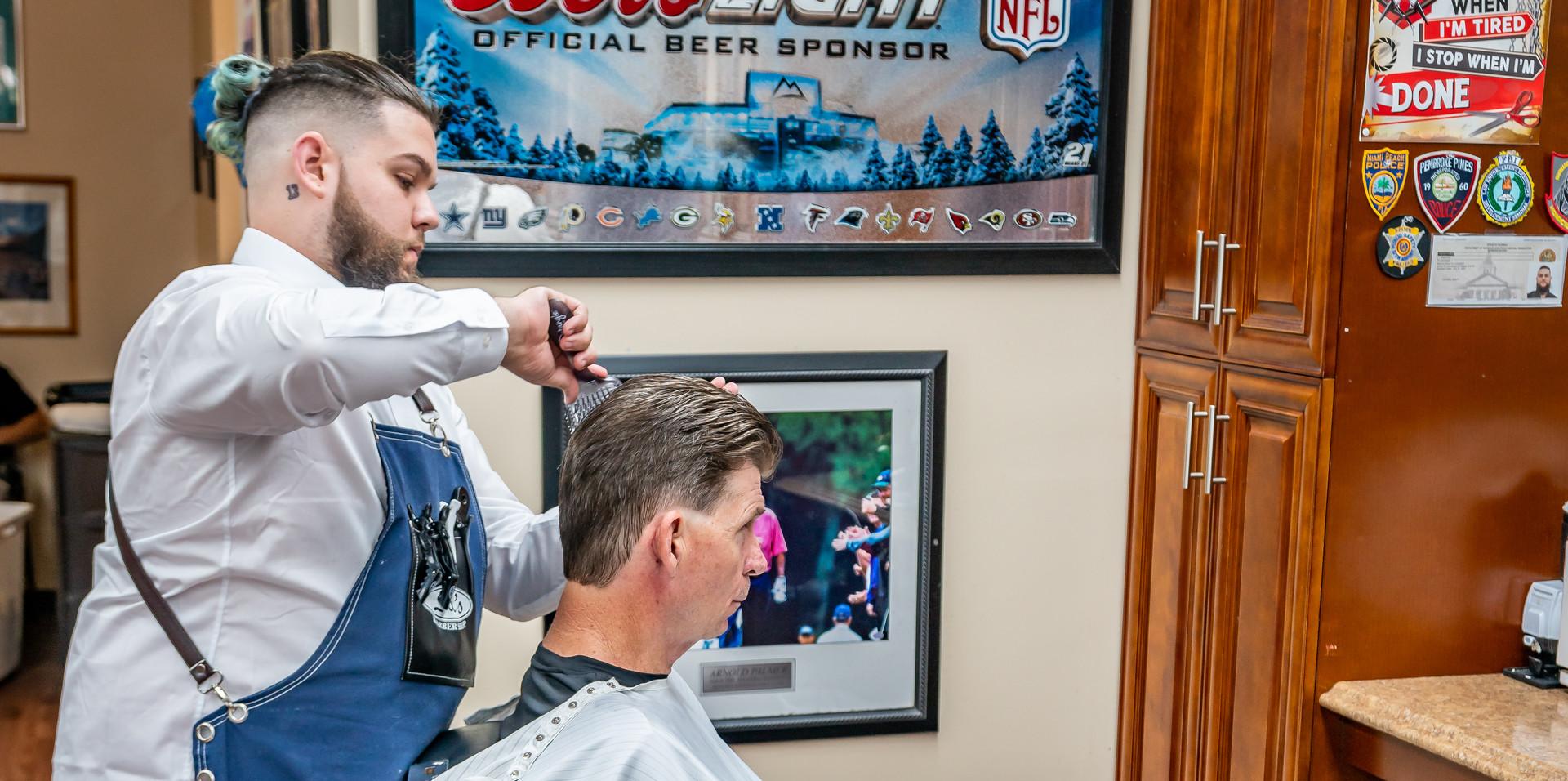 Del's Barber Shop-23.JPG