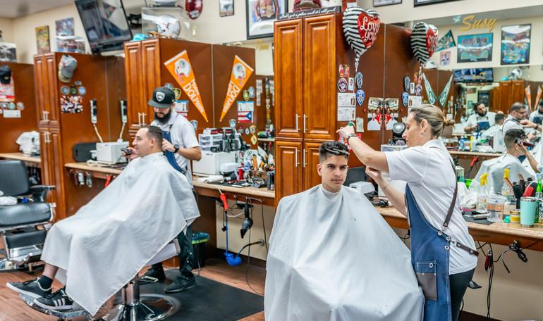 Del's Barber Shop-2.JPG