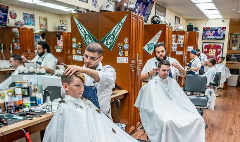 Del's Barber Shop.JPG