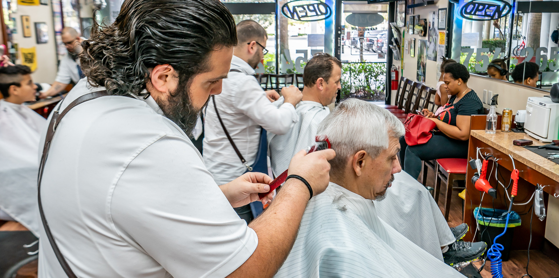 Del's Barber Shop-26.JPG