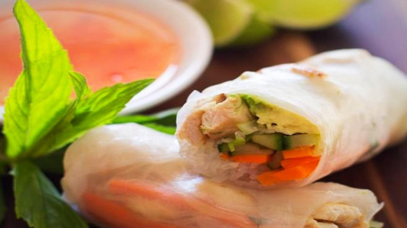 Light and healthy fresh homemade rice paper rolls 2 Pack!