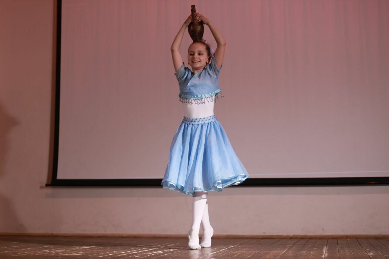 Танец с кувшином
