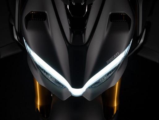 Flight on 2 Wheels | Ducati Streetfighter V4s