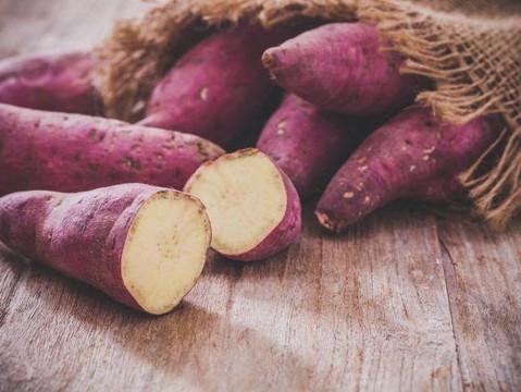 Nutricionista Adriana Stavro lista 9 benefícios em consumir Batata doce.