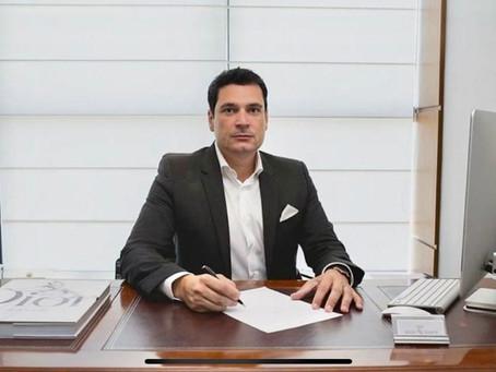 Dr. Regis Ramos - Especialista em Rinoplastia, Lifting Facial e Lipo HD.
