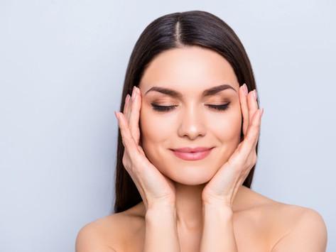 Harmonização com cirurgia plástica não deforma tanto o rosto quando feita com bom cirurgião.