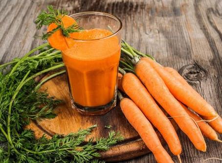 Nutricionista Adriana Stavro lista 13 benefícios em consumir cenoura.